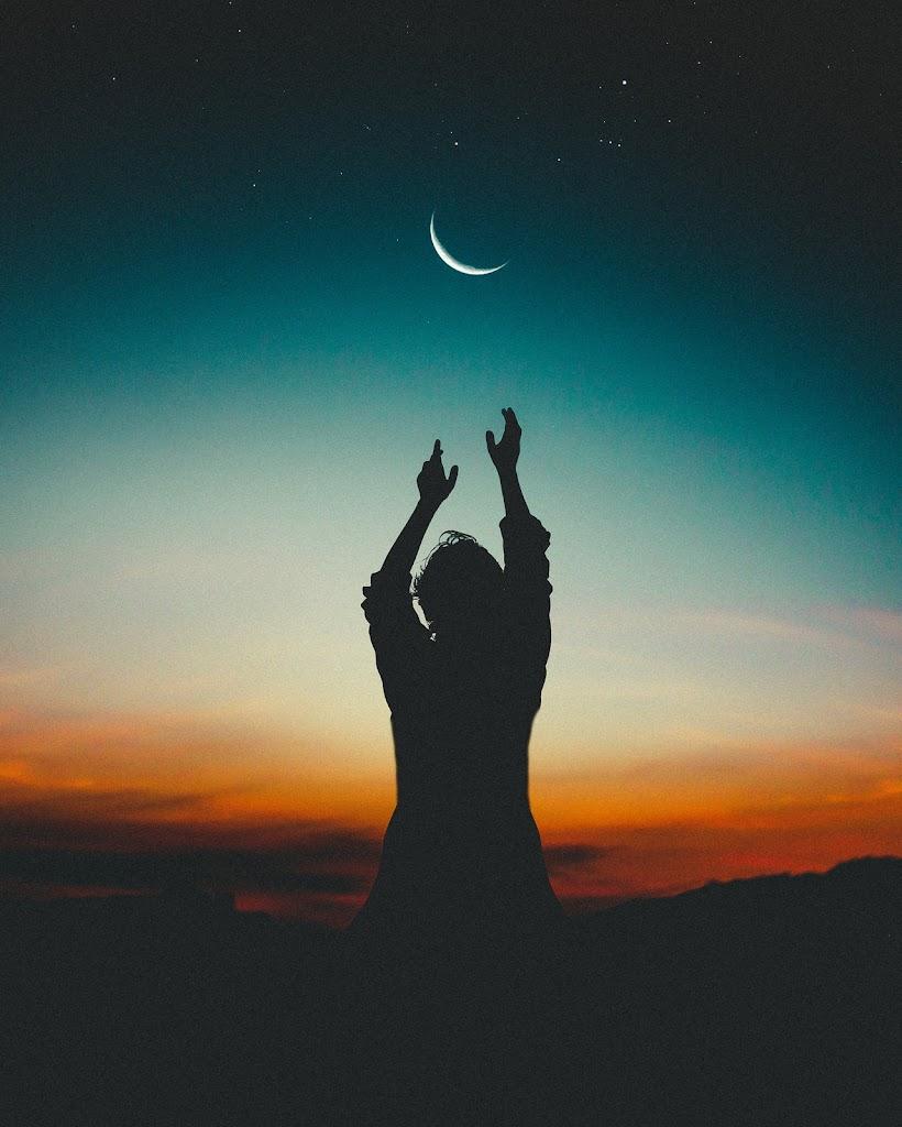 Read more about the article Rahat Indori famous ghazal in Hindi-मैं लाख कह दूँ कि आकाश हूँ ज़मीं हूँ मैं