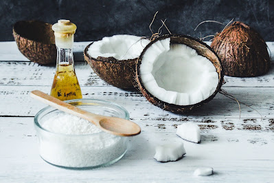 Read more about the article virgin coconut oil-uses, health and beauty benefits in hindi